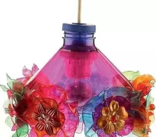 你随手扔的塑料瓶 在别人手里却变成了这样!
